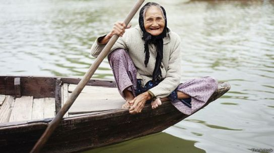 141118191537_old_woman_river_smile_624x351_thinkstock